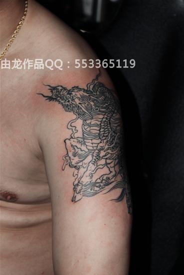 线条麒麟纹身_中图_上海由龙刺青